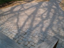 Concrete pavers with circular pattern